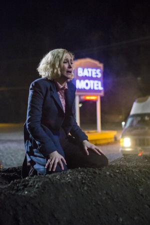 Vera Farmiga in Bates Motel (2013)