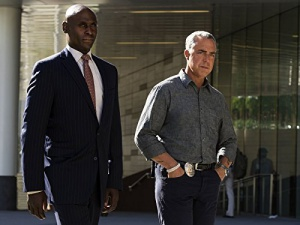 Lance Reddick and Titus Welliver in Bosch (2014)