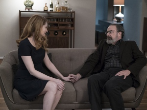 Miranda Otto and Mandy Patinkin in Homeland (2011)