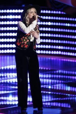 Darby Walker in The Voice (2011)
