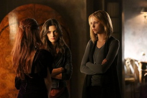 Phoebe Tonkin, Rebecca Breeds, and Riley Voelkel in The Originals (2013)